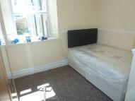 2 bedroom Flat in Longcross Street...
