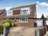 3 bed Chalet in Burleigh Place, Oakley...