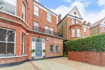 Flat to rent in Canfield Gardens...