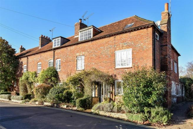 3 Bedroom End Of Terrace House For Sale In Farnham Surrey Gu9
