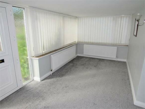 Sunroom/Entrance hall
