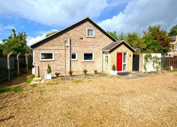 3 bedroom detached house for sale in cherry hinton road cambridge cb1 for 3 bedroom house for sale in cambridge