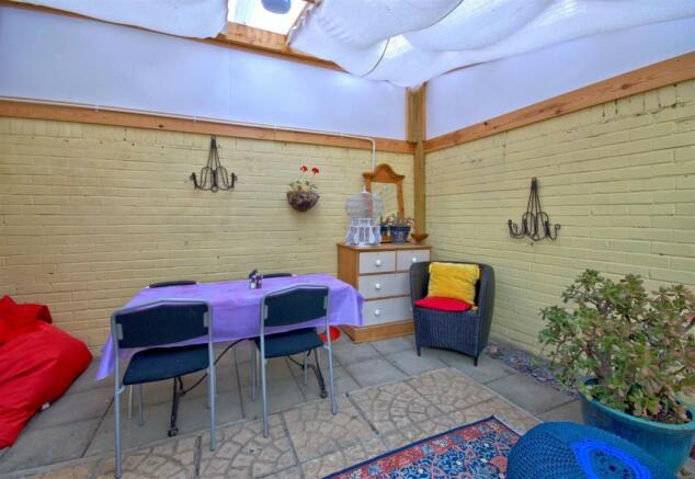 summerroom.jpg