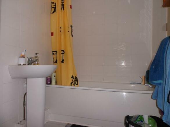 Chaucer Bathroom