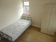 Studio flat in Cranford Lane, Hounslow...