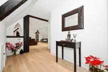 2 bedroom Apartment in Framewood Road, SL2