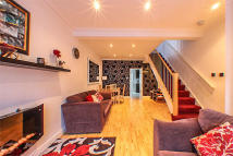 3 bed semi detached home in Aldworth Road, London...