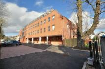 2 bedroom Flat to rent in Haydon Drive, Pinner...