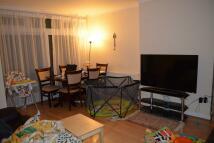 Apartment in Highcroft Gardens...