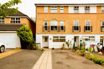 5 bedroom Town House in Cheddar Close, London...