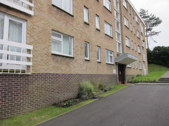 2 Bedroom Flat To Rent In Carew Road Eastbourne East Sussex BN21 BN21