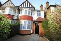 5 bed semi detached house to rent in Temple Gardens...