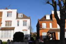 3 bed Flat in Chatsworth Road...