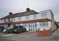 4 bed End of Terrace house in Carmelite Road...