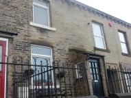 2 bed End of Terrace house to rent in Halifax Road, BRIGHOUSE...