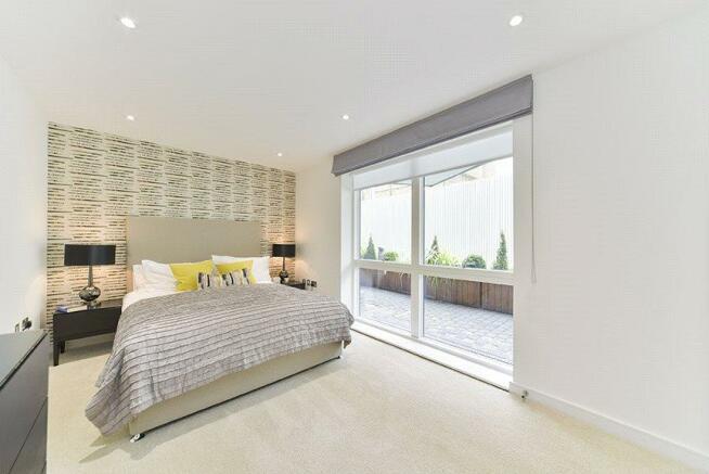 Bedroom : W9