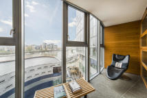 Apartment to rent in Falcon Wharf, Battersea