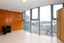 Apartment to rent in Falcon Wharf, Battersea.