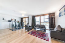 Falcon Wharf Apartment to rent