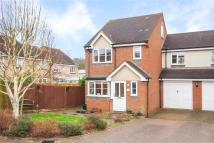 Link Detached House to rent in Orient Close, St. Albans...