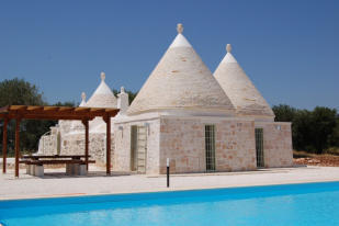 The trullo with pool