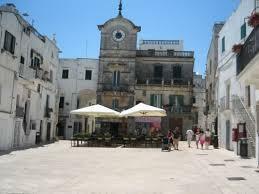 Cisternino square
