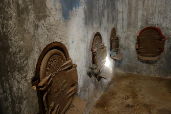 Wine cistern
