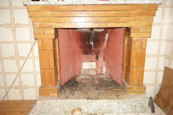 Living room fireplac