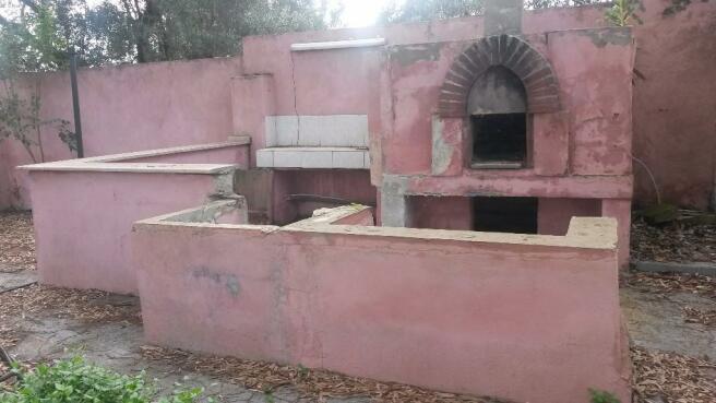 BBQ courtyard area
