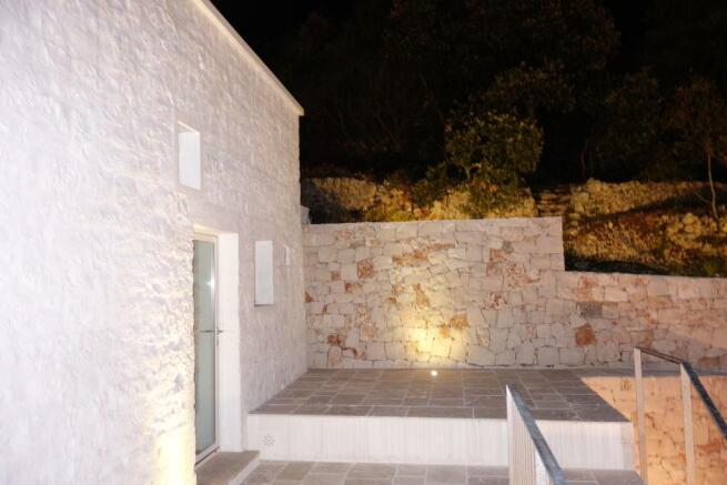 Lamia entrance level