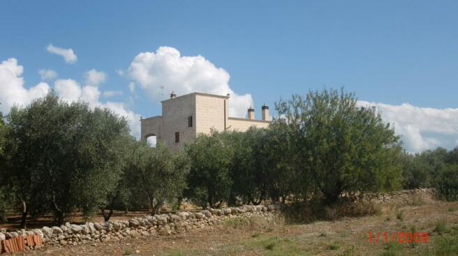 Approach to villa