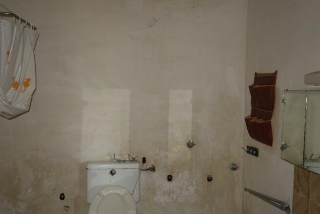 Gr floor bath
