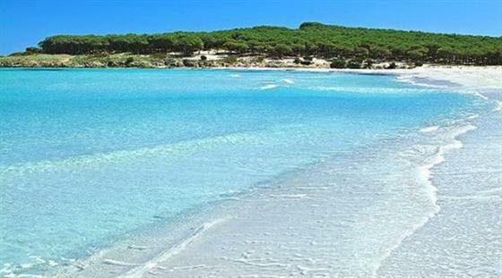 2 km sandy beach