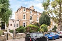 Warwick Avenue Flat to rent