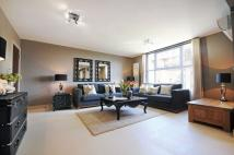 3 bedroom Apartment in Boydell Court...