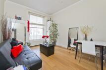 Flat to rent in Queens Gardens...