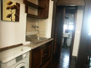 apt kitchen corner