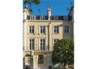 10 bedroom property in Regents Park Road...