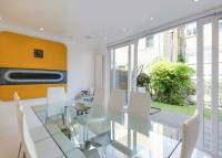 Terraced property to rent in Meadowbank...