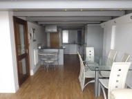 3 bedroom Apartment in Crusader House...