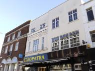 Flat to rent in South Street, Romford...