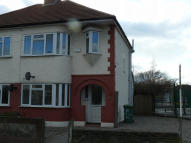 3 bed semi detached property to rent in Canon Avenue...