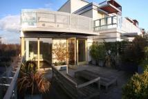 2 bed Apartment to rent in Farnsworth Court...