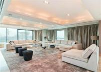 Apartment in 41 Millharbour, London