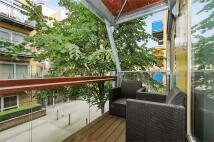 2 bedroom Apartment in Becquerel Court...