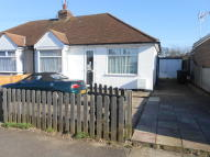 2 bedroom Semi-Detached Bungalow in Talbot Avenue, Rayleigh...