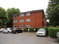 Flat to rent in Lewes Close, Northolt...