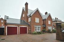 5 bedroom Detached property in Astor Drive, Appleton...