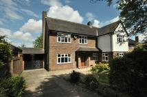 5 bed Detached property in Alexandra Road...