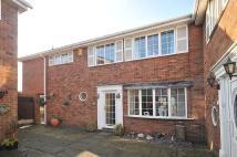 4 bedroom Link Detached House in Barrymore Court...